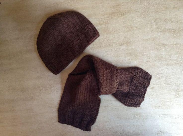 Ensemble Bonnet Echarpe Bébé 6 à 9 mois Tricot fait main Couleur brun  chocolat  Mode