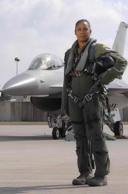 She Rocks! Major Shawna Kimbrell – First Black Female US Air Force Fighter Pilot