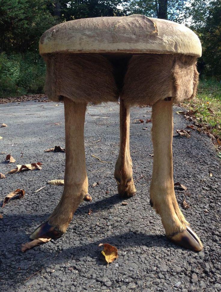 VINTAGE TAXIDERMY DEER LEG HOOF STOOL  SEAT HUNTING CABIN DECOR 3 LEGS W HOOVES