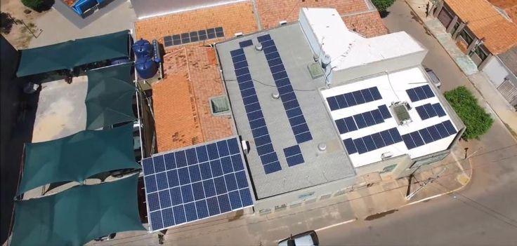 O investimento em sistemas de mini e microgeração aumentou rapidamente no estado do Mato Grosso, onde foram instaladas 108 novas unidades de geração de energia em apenas 18 meses. De acordo com a Secretaria de Desenvolvimento Econômico do Mato Grosso (Sedec), o último balanço da Agência Nacional de Energia Elétrica (Aneel) revelou que o total de projetos de energia distribuída instalados saltou de 12 unidades geradoras, em agosto de 2015, para 120, em fevereiro deste ano. A secretaria…