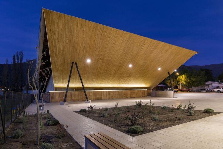 Gallery of Municipal Gym of Salamanca / Carreño Sartori Arquitectos - 6