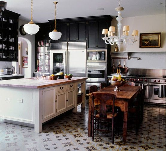 black in the kitchen: Dreams Kitchens, Idea, Floors, Dark Cabinets, Black Cabinets, Black White, Wood Tables, Islands, White Kitchens
