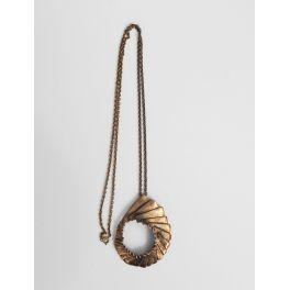 halsketting met ronde bronzen hanger