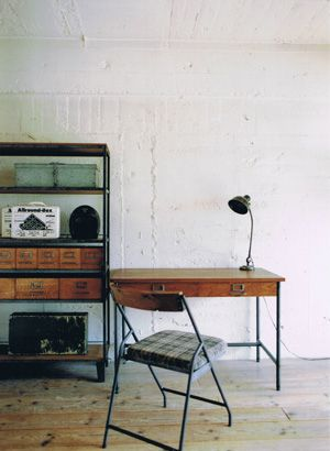 SUTTO DESK for an industrial-looking #workspace that is very minimal in terms of decorations