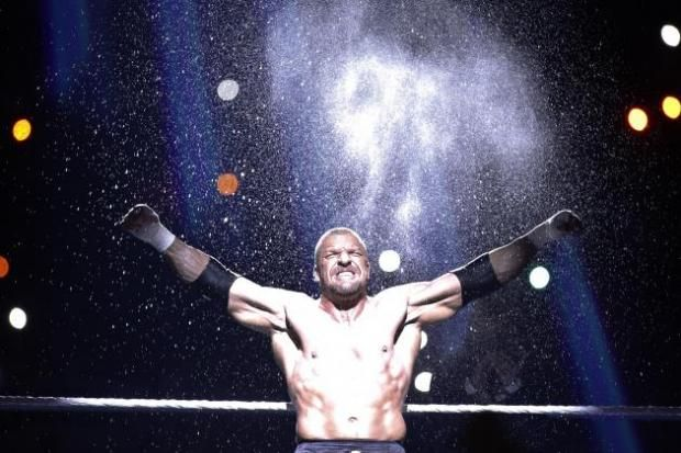 A great Royal Rumble Show with a very entertaining Rumble match ended with a sight we received a lot as fans in the 2000s: Triple H standing tall with the WWE title.