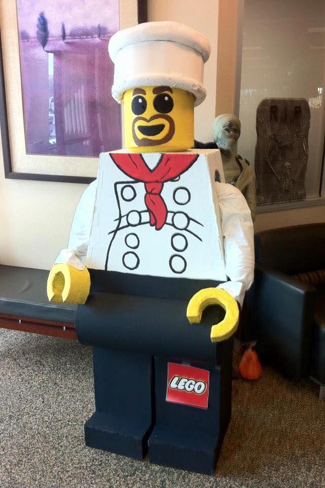 DIY - Real life Lego Chef made from cardboard! FTW!   DIY