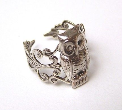 Owl ring. I want THIS!!
