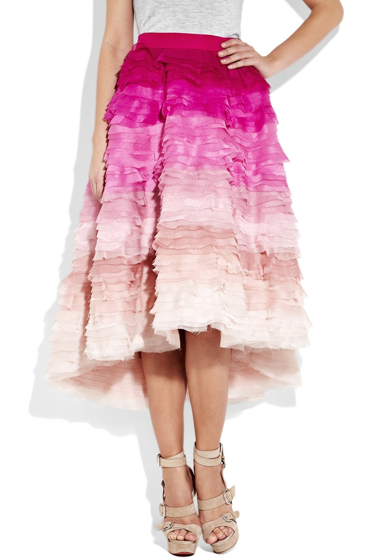 hmm.. how to make this ombre skirt.. and then find a situation in which it's fabulousness is warranted?