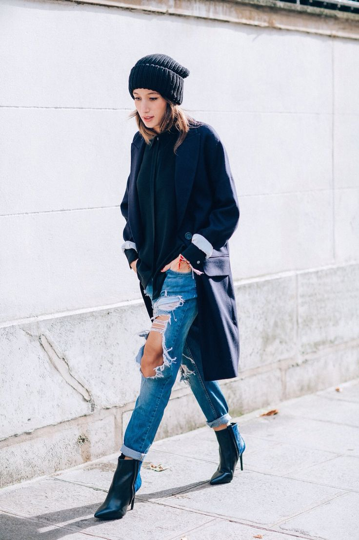 62 best RIPPED JEANS images on Pinterest | Ripped jeans, Jenners ...