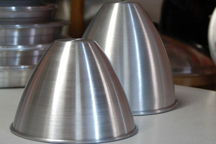 Commercial Bakeware http://southernmetalspinners.com.au/2429-3/