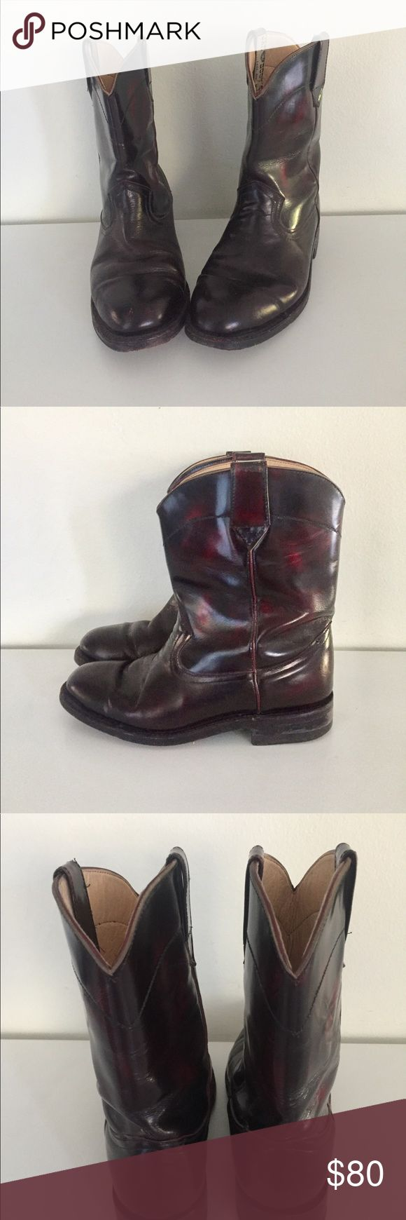 """Western Boots Leather Two Tone Black Oxblood 8.5 High quality hand made black and oxblood red leather calf length cowboy boots. The upper, inner and outer sole is all leather, the heel is wood with rubber a cap. The brand name Jar Boots, made in Mexico.  Material: Leather  Color/print: black, red Maker: Jar Boots Place of origin: Mexico  Era: 70s Size: marked men's 5.5 Fit like a US Women's 8.5M  Measurements:  10"""" high Length- 10""""  Width- 4"""" 1.5"""" Heel  Condition: The soles show some wear…"""