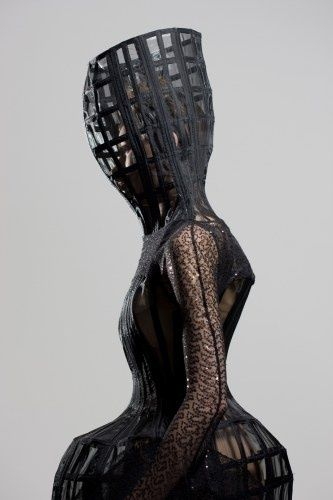 Sculptural Fashion - 3D cage-like dress with rigid structure - fashion as art; extreme fashion // Ara Jo