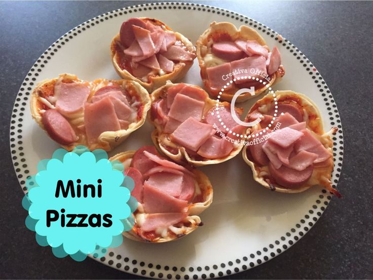 Cómo hacer mini pizzas con tortillas de harina ;)  Dale click al link para saber los detalles de esta deliciosa receta => http://creativaofficial.com/como-hacer-mini-pizzas-con-tortillas-de-harina/