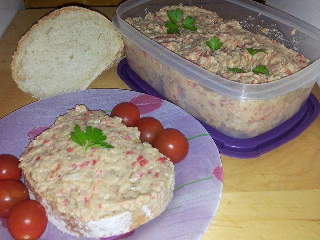 Salata de vinete si ardei copt din categoriile Aperitive, Mancaruri cu legume si zarzavaturi, Salate de legume, Salate reci. Cum sa faci Salata de vinete si ardei copt