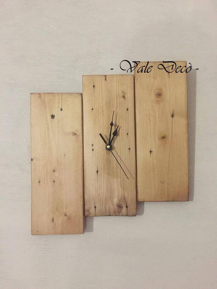 Sono felice di condividere l'ultimo arrivato nel mio negozio #etsy: Orologio da parete in legno - Rustico - Moderno - Handmade - Wall Watch http://etsy.me/2CQ1XXT #articoliperlacasa #orologi #beige #nozze #cameradaletto #squadrato #verticale #orologio #legno