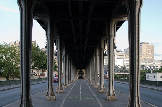 The bridge used in 'Inception' - Pont de Bir-Hakeim, Paris, France