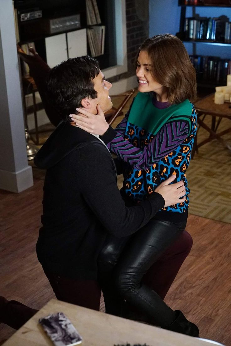 Pretty Little Liars - Ezra and Aria proposal
