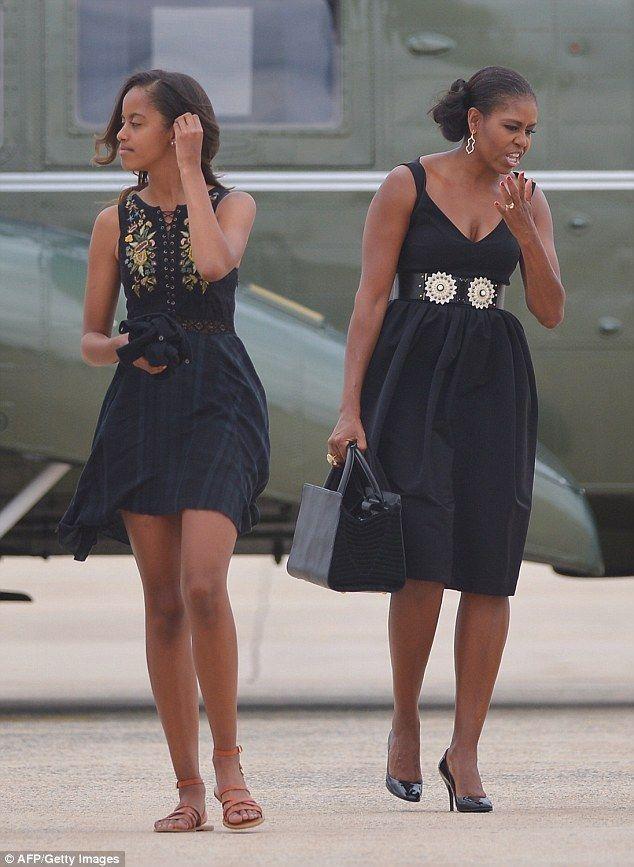 Malia & Michelle Obama