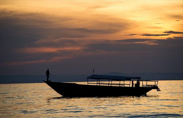 アフリカ タンザニア タンガニーカ湖の夕暮れ