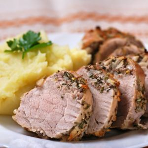 Reteta de mancare Craciun 2012 - Friptura de Porc cu Piure de Cartofi  Vin sarbatorile si incepem sa ne gandim la preparatele pentru masa de Craciun.