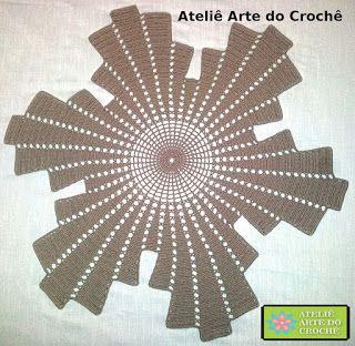 Ateliê Arte do Crochê: CENTRO DE MESA ELEGANCE FLOR DE SEIS PÉTALAS