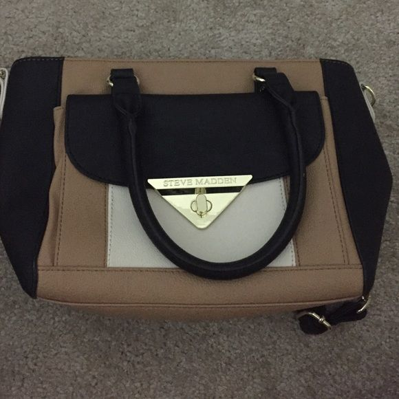 Steve Madden purse Steve Madden purse, used once, looks brand new Steve Madden Bags