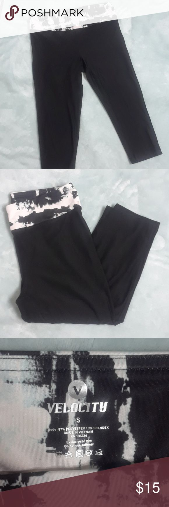 Nwot Velocity Training capris Nwot. Excellent Condition Velocity Work out capris. Comfortable material. Cute print along the waistline. Size small. Velocity Pants Capris