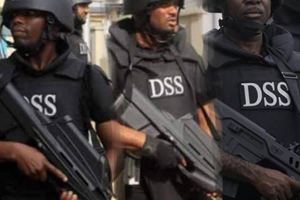 The Department of State Services (DSS) has arrested five ISIS linked Boko Haram members alleged to have perfected plans to attack the United States and United Kingdom embassies in Abuja.  In a statement released by a DSS official Tony Opuiyo today the suspects were arrested in Benue State and the FCT.  The group had perfected plans to attack the UK and American Embassies and other western interests in Abuja. During the operation to thwart this plan five key suspects namely: Isa Jibril Jibril…