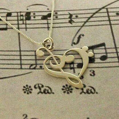 Скрипичный и басовый ключи попадают прямо в сердце на пораженье