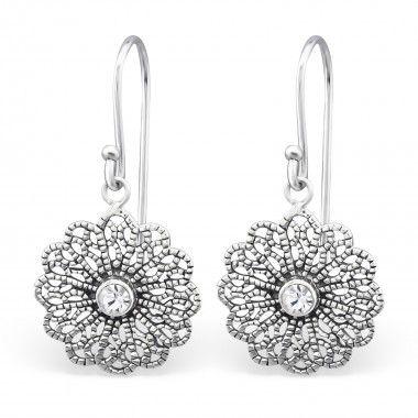 Prachtige 925 zilveren Bali oorbellen met kristal.