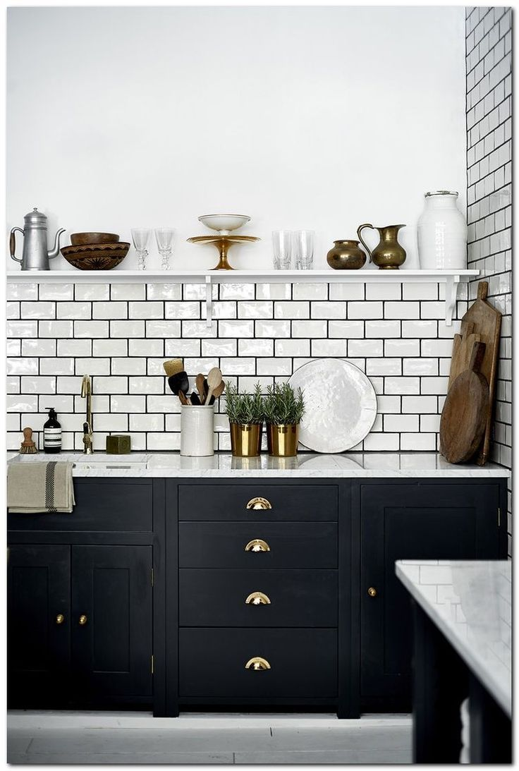 9+ Simple and Beautiful Kitchen Tile Decoration Ideas   The Urban ...