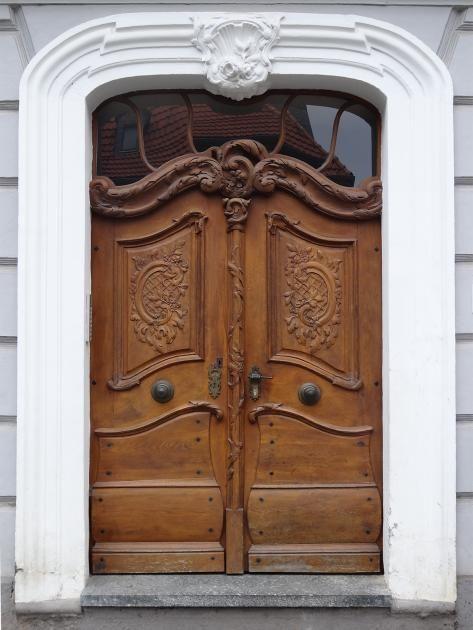 Traditionell & modern: Schwungvoll: Barocke Haustür in Arnstadt - Bild 2 - [SCHÖNER WOHNEN]
