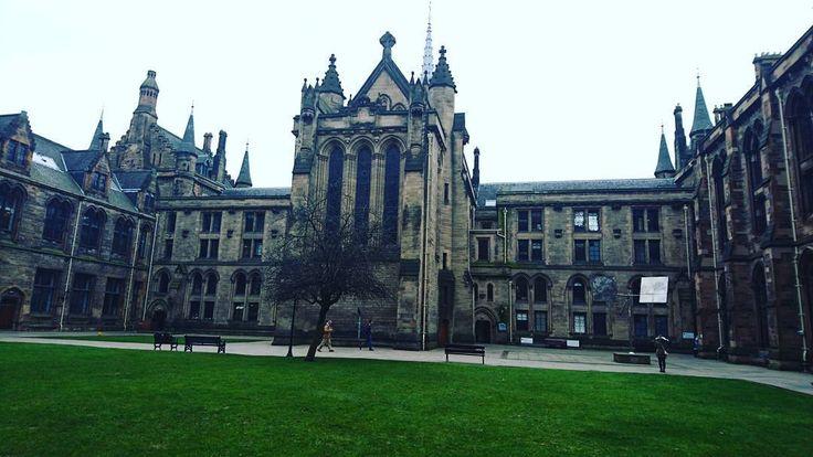 Glasgow university...Does it look like Hogwards? #glasgow #glasgowuniversity #glasgowuni #scotland #harrypotter #hogwarts #university #erasmus #erasmusplus #castle #ancient #nature #photography #picoftheday #instaphoto #instapic #travel #studyabroad #travelscotland #travelling #chapel by benpaulschroeter