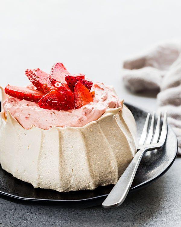 Strawberry Mini Pavlova Recipe Pavlova Mini Pavlova Sweet Savory