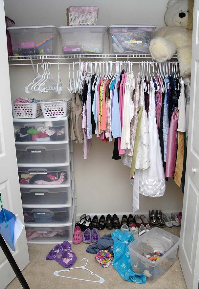 Yard sale season is in full swing and I just scored a brand new closet organizing system for $7. Check out the post for all the before and after pics (plus a cl…