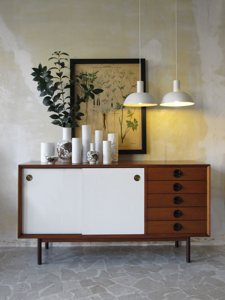 60s italian modern teak sideboard, Faram production - 50s Danish modern ceiling lamps - Rosenthal Studio Linie Porcelaine vases collection - Royal Copenaghen danish ceramic vases collection / Sideboard italiano in teak anni 60, produzione Faram - Coppia lampade danesi anni 50 - Set di porcellane bianche Rosenthal Studio Linie - Vasi in ceramica danesi Royal Copenaghen - www.capperidicasa.com