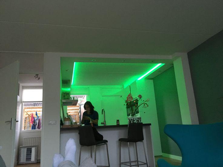 Keuken verlichtingskoof met LED inbouwspots en RGB ledstrips