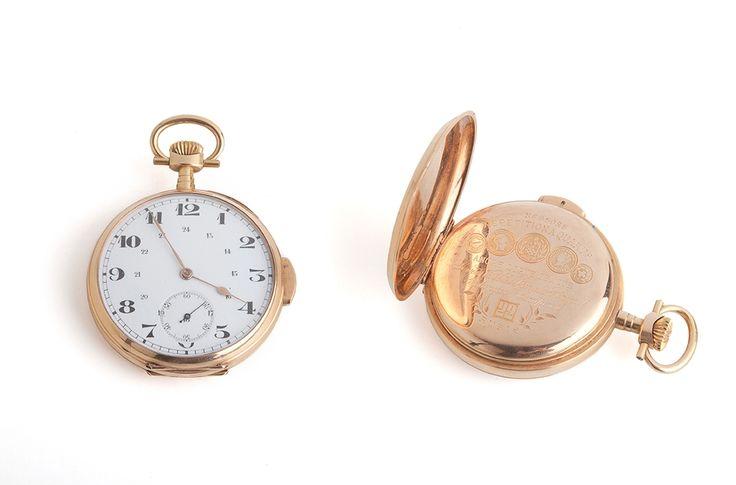 RELOJ DE CABALLERO EN ORO. S. XIX Reloj de caballero en oro con números arábigos, segundero a las 6, sonería de repetición a los cuartos y balancín compensado. Diámetro: 5 cm.