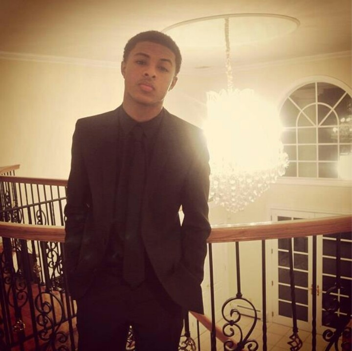 Diggy Simmons  tailored .
