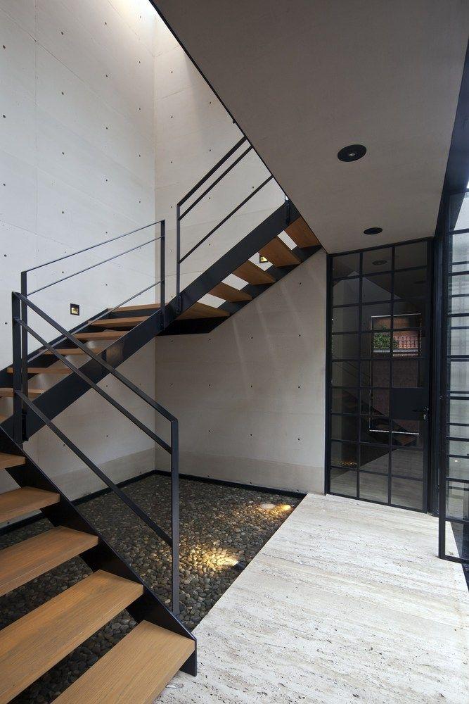 M s de 25 ideas fant sticas sobre escalera de hierro en - Escaleras de caracol minimalistas ...