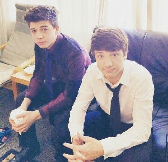 Bradley steven  perry and jake short