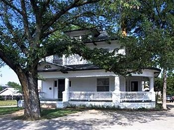 Texas White House B&B~one of the most haunted places in Texas. Located in Ft Worth