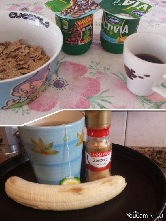 Ma che bella giornata di sole ...magari la primavera si è decisa ad arrivare ...  Non so voi ma il cambio stagione oltre a farmi sentire gonfua mi fa venire più fame  . .. Comunque colazione con i miei amati yogurt uno al caffè e l'altro all'ananas, 30 gr di cereali, e caffè:234kcal  merenda invece con 123 gr di banana e thè verde con zenzero:74 kcal    xoxo Chiattoncina Golosa