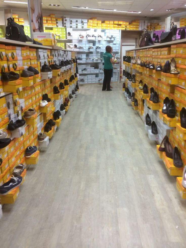 Deichmann - Wolverhampton - Shoes - Footware - Value Retail - Boxed Stock - Visual Display - Fixtures - Fittings - Layout - Customer Journey - Visual Merchandising - www.clearretailgroup.eu