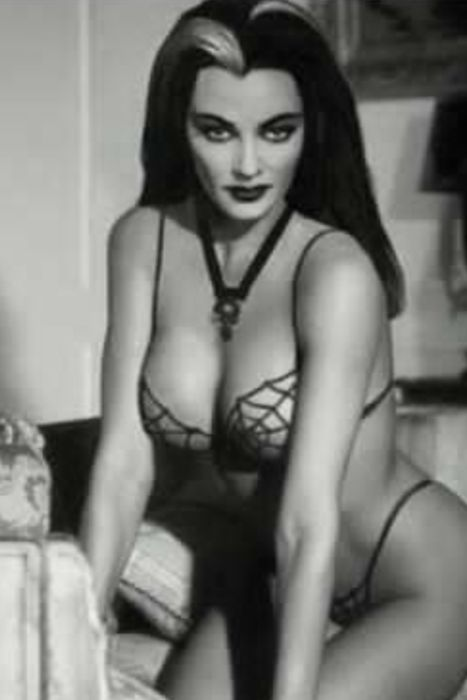Mrs Munster, lookin' very hot