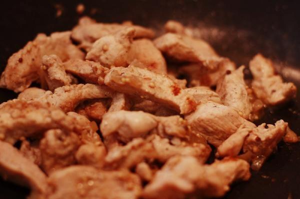 Куриное филе в маринаде из зерненой горчицы