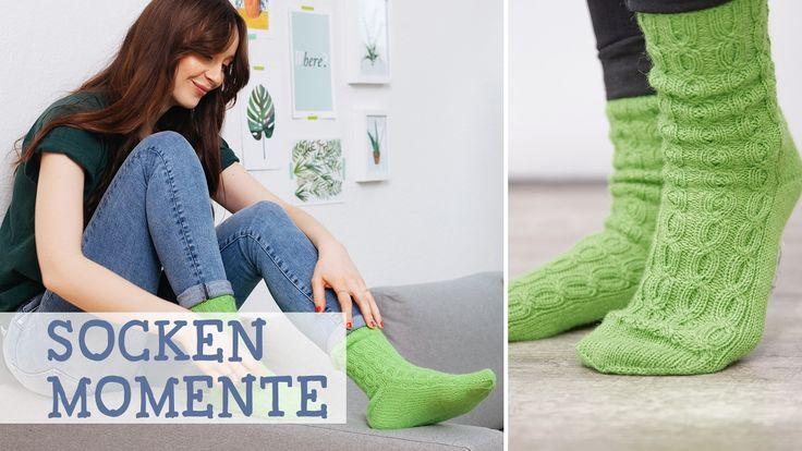 Stricken lernen mit Schachenmayr REGIA: Socken mit Zopfmuster stricken / knitting pattern for greenery trend socks via DaWanda.com