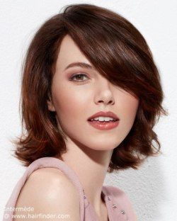 Hairstyle that is not too short, with layers.