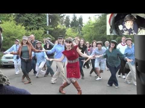 Vídeo: ¡Una de las proposiciones de matrimonio más divertidas!