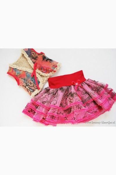 Roze tule meisjes rok met bijpassende bont bodywarmer  #tule #rokje #meisjeskleding #fashion # feestkleding #girlsfashion #kindermode #handgemaaktekinderkleding  #kinderkleding #modeblog #mode #uniek #handmade #bontje #bodywarmer